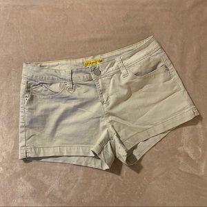 Khaki jean shorts 👌🏻